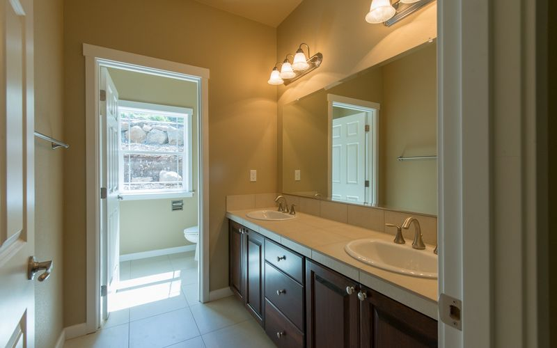custom-home-floor-plan-master-bath-dual-vanity