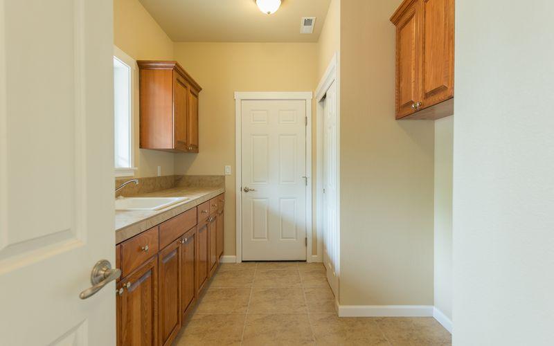 custom-home-floor-plan-mud-room